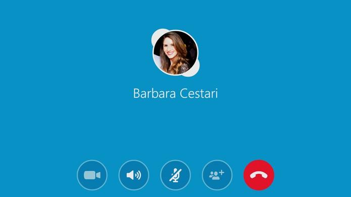 Tela do Skype pode ser espelhada na TV pelo Chromecast mas sem microfone ou webcam (Foto: Reprodução/Barbara Mannara)