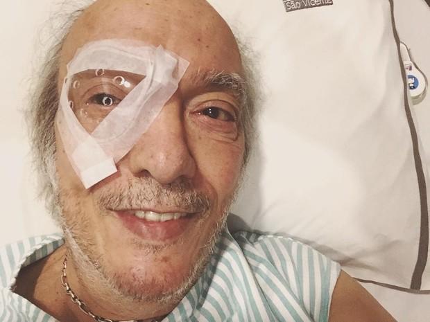 Erasmo Carlos posta foto após cirurgia nos olhos (Foto: Reprodução/Instagram)