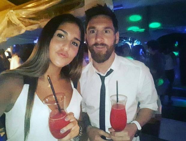 Fãs com Messi durante férias na Argentina