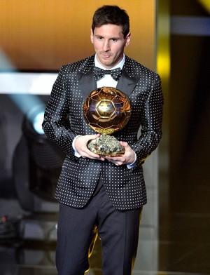 Ousadia ou discrição  Messi prepara mais um figurino para o Bola de ... 07c482b518a1f