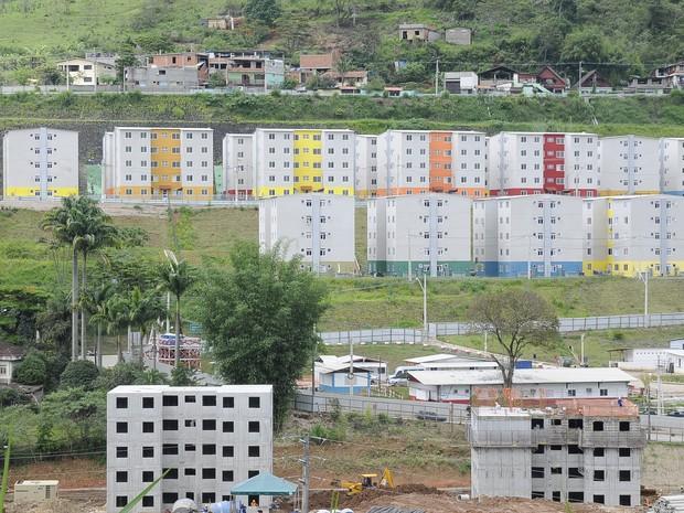 Novos apartamento foram construídos na estada que liga Conselheiro à Riograndina (Foto: Daniel Marcus)