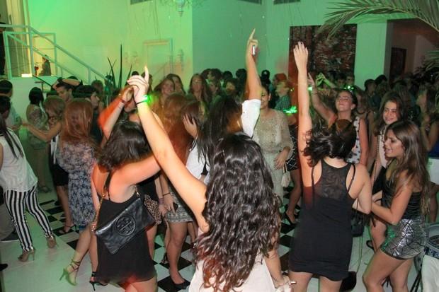 Festa de 18 anos da filha de Edmundo (Foto: Cleomir Tavares/Divulgação)