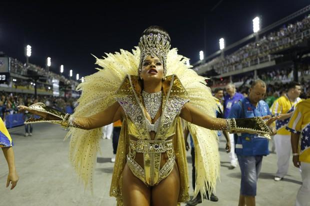 Juliana Alves desfilando pela Unidos da Tijuca (Foto: Marcos Serra Lima / EGO)