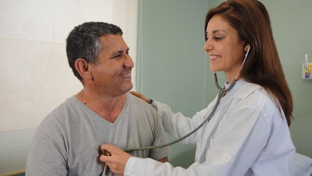 Consulta médica (Foto: Divulgação/RPC TV)
