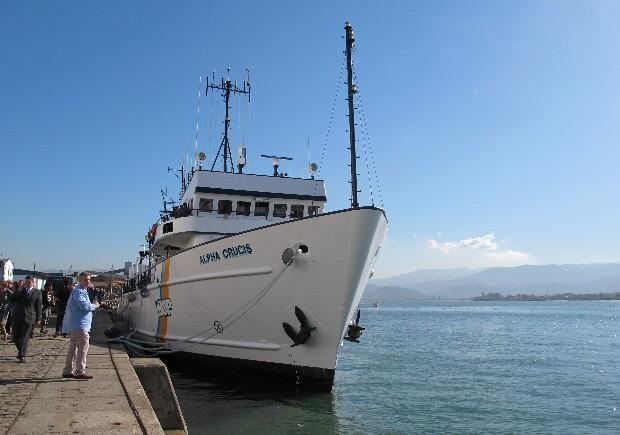 Navio Alpha Crucis atracado no Porto de Santos (Foto: Mariane Rossi/G1)