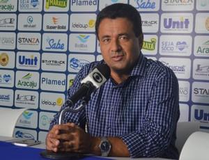 Luiz Roberto, presidente do Confiança (Foto: Felipe Martins/GloboEsporte.com)