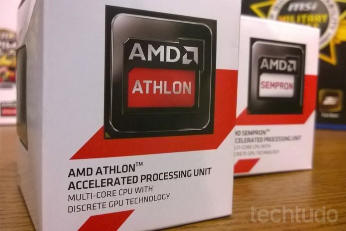 Na imagem, versões box (não OEM) de processadores Athlon e Sempron, os mais baratos da AMD (Foto: Isadora Díaz/TechTudo)