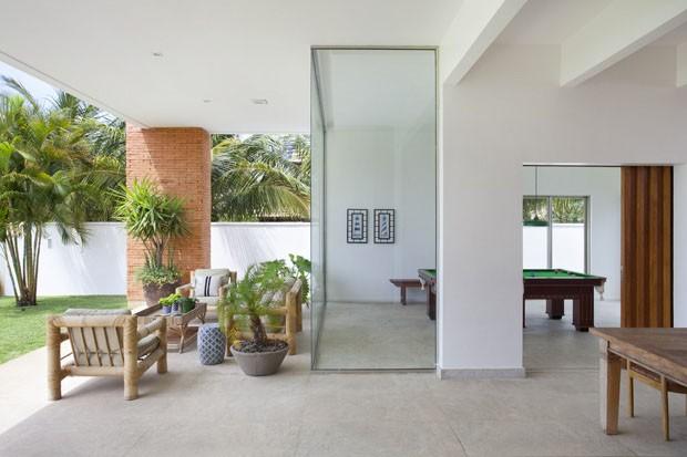 Casa na praia com toque moderno (Foto: Juliano Colodeti /MCA Estúdio/ )