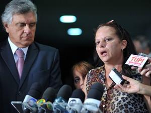 Médica cubana Ramona Matos Rodriguez em entrevista ao lado do deputado do DEM, Ronaldo Caiado (GO) (Foto: Zeca Ribeiro/Ag.Câmara)