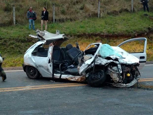 Vítimas fatais morreram no local do acidente (Foto: Portal do Biguá/Divulgação)