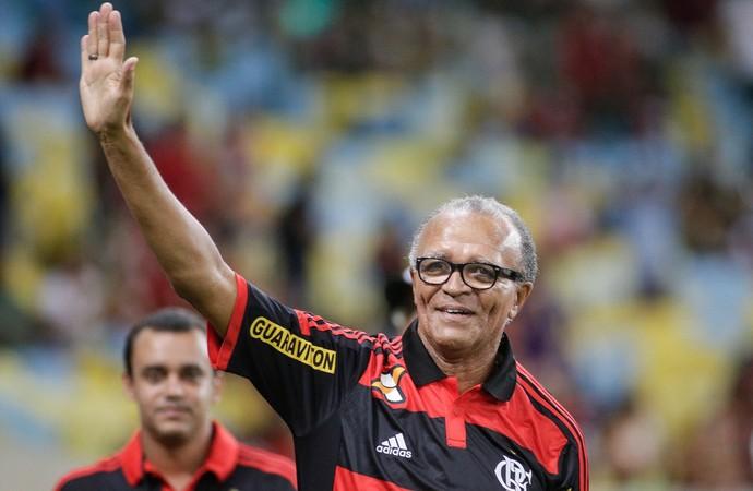 Flamengo x Volta Redonda - Jayme de Almeida recebe homenagem (Foto: Rudy Trindade / Agência Estado)