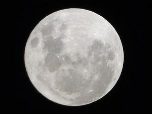 Lua perigeu 3 (Foto: Tiago Guidi Antunes / VC no G1)