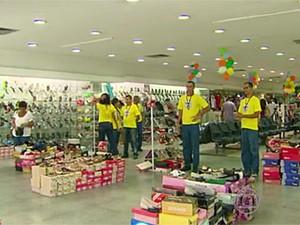 Comércio do Recife estima queda de 60% nas vendas devido à paralisação (Foto: Reprodução / TV Globo)