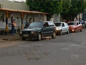 Taxistas clandestinos são comuns em Araguaína (Foto: Reprodução/TV Anhanguera)