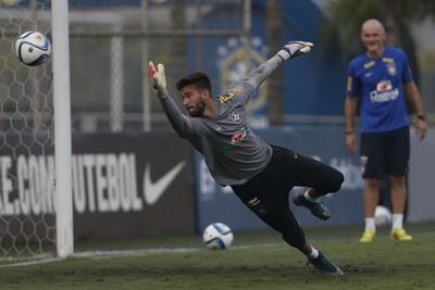 Goleiro Alisson treino seleção brasileira (Foto: André Mourão / MoWA Press)