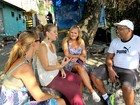 Com direito a mototáxi, passeio na Rocinha encanta turistas
