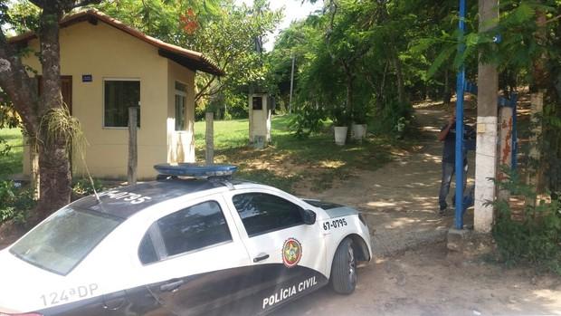 Polícia prende suspeito por morte cantora Loalwa  (Foto: Lucas Pasin / EGO)