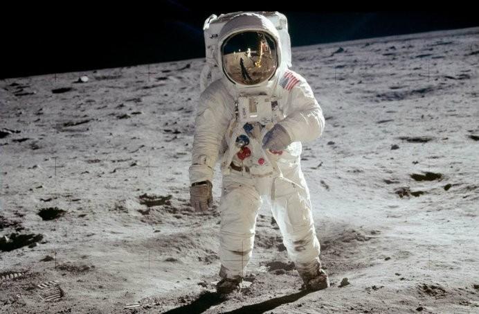 """""""Um pequeno passo para o homem, um gigante salto para a humanidade"""" no seu celular (Foto: Reprodução)"""