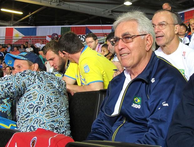 Geraldo Bernardes, professor de Rafaela Silva no Reação (Foto: Gabriele Lomba / Globoesporte.com)