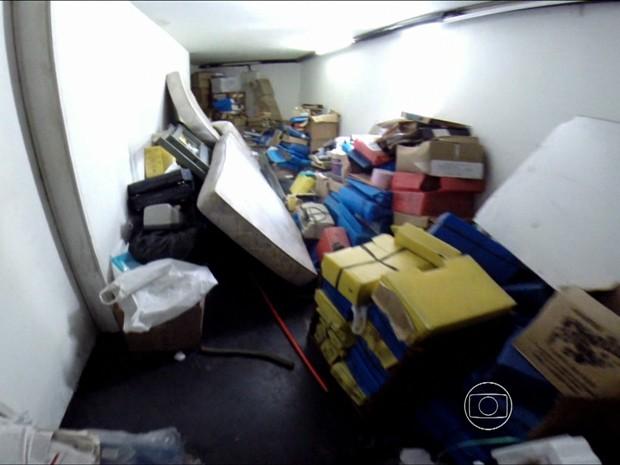 Problemas na Polícia Científica de PE (Foto: Reprodução/TV Globo)