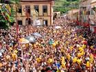 Sob sol forte e calor, foliões vão curtir carnaval no Vale e litoral norte