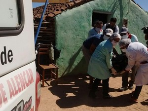 Corpos foram levados para a cidade de Picos (Foto: Renan Nunes/TV Clube)
