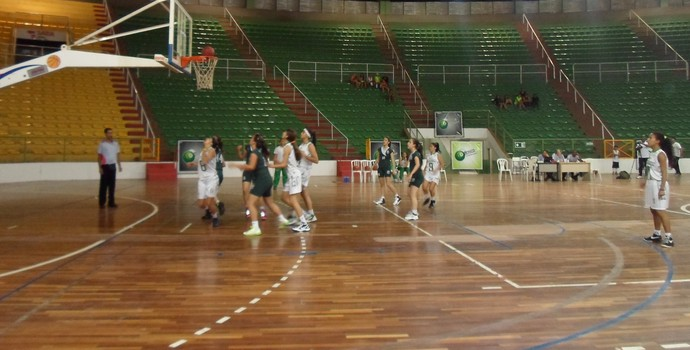 bola na cesta basquete montes claros (Foto: Cida Santana/Globoesporte.com)