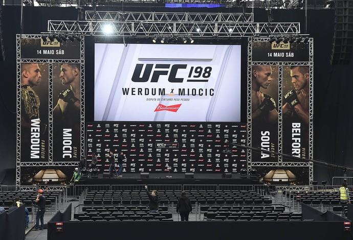 Pesagem UFC 198 (Foto: reprodução/Instagram)