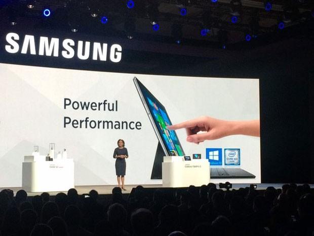 Samsung divulga novo tablet na CES 2016 (Foto: Helton Simões Gomes/G1)