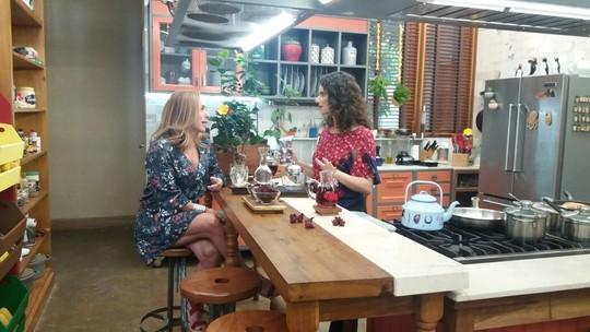 Chá de hibisco: confira dicas para aproveitar melhor os efeitos da bebida