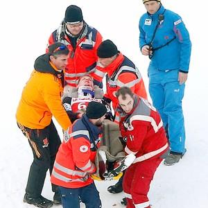Thomas Morgenstern sofre queda no esqui na Alemanha (Foto: AP)