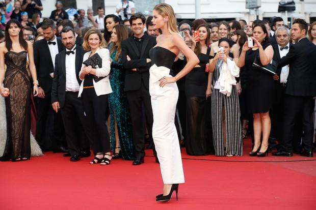 Doutzen Kroes no Festival de Cannes (Foto: AFP)