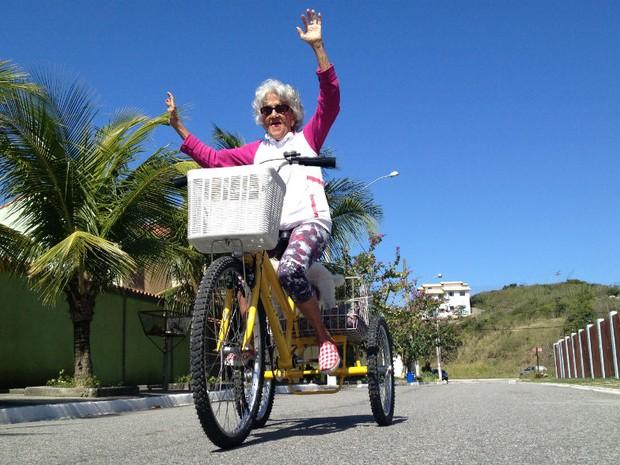 Uma das maiores diversões de Mioni é passear de bicicleta (Foto: Flavio Flarys / G1)