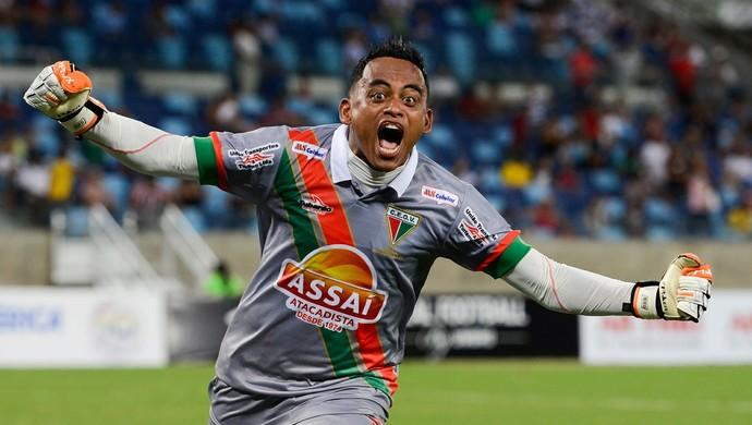 Goleiro Perereca comemora gol do Operário sobre o Mixto (Foto: Lucas Ninno/Secom-MT)