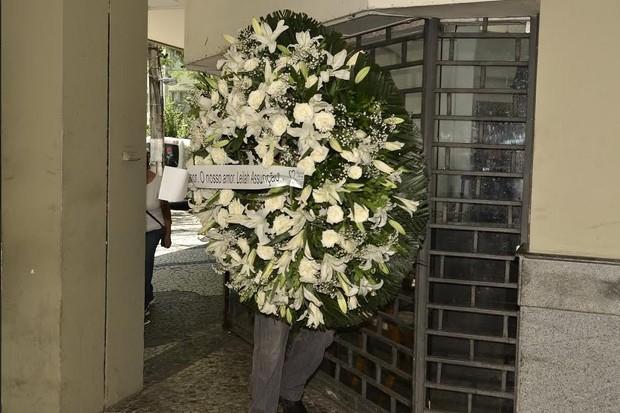Coroa de flores no velório de Marília Pera (Foto: Roberto Teixeira/EGO)