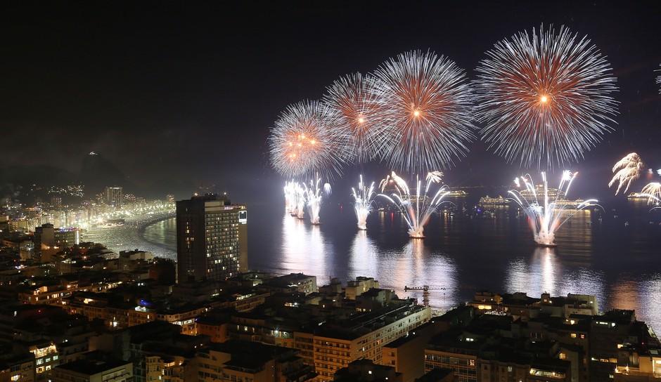 Queima de fogos em Copacabana, Rio de Janeiro