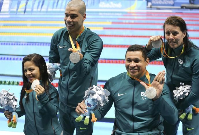 Revezamento Brasil Paralimpiada natação (Foto: Reuters)