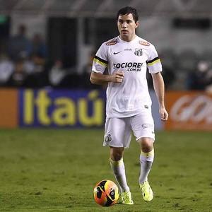 Eugenio Mena, lateral-esquerdo do Santos (Foto: Ricardo Saibun/Divulgação Santos FC)