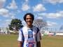 Aposentado, ex-atacante de Cruzeiro e Galo divide experiência no amador