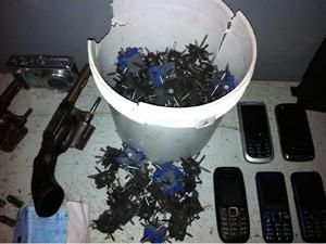 Material apreendido em Baía da Traição foi encaminhado para a Polícia Civil. (Foto: Divulgação/Polícia Militar)