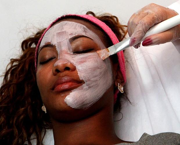 Luana Bandeira ressalta que cuidados com a pele são essenciais (Foto: Luiz Eduardo Fotografia)