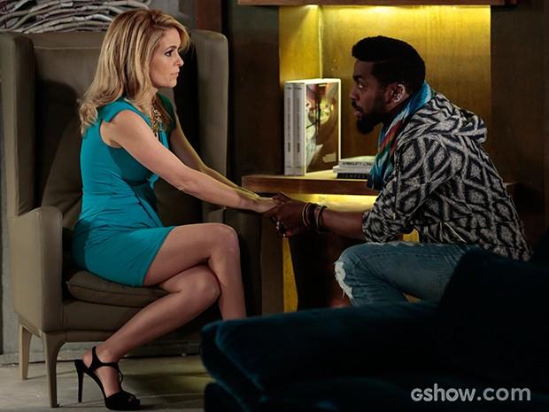 Pam pergunta a Brian se Jonas está escondendo algo dela (Foto: Felipe Monteiro/TV Globo)