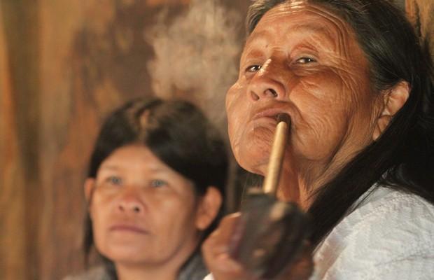 Mulheres indígenas da comunidade Tenondé Porã, localizada no estado de São Paulo (Foto: Divulgação/Carlos Penteado/Documentária Fotographia/Comissão Pró-Índio de São Paulo)