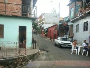 Crime aconteceu na Rua do Areal, Compensa 2, Zona Oeste de Manaus (Foto: Divulgação/Polícia Militar)