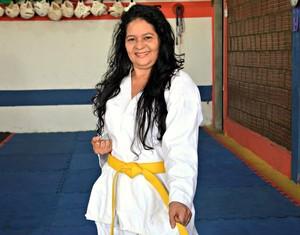 Socorro França, de 54 anos, vai participar pela primeira vez do Campeonato Brasileiro (Foto: Quésia Melo)