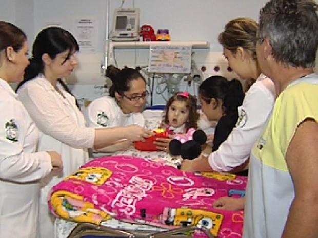 Muitos pacientes precisam morar no hospital para fazer o tratamento (Foto: Reprodução / TV Tem)