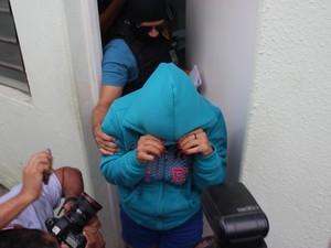 Polícia diz que empregada escondeu a arma usada no crime (Foto: Gustavo Almeida/G1)
