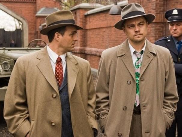 Leonardo DiCaprio e Mark Ruffalo interpretam detetives no filme (Foto: Divulgação / Reprodução)