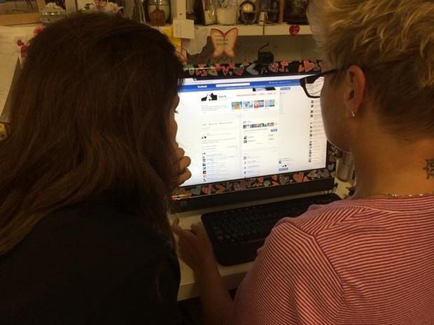 Xuxa e Ivete Sangalo na casa da apresentadora no Rio (Foto: Facebook/ Reprodução)