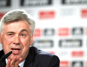 Ancelotti quer diminuir elenco do Real e pode liberar quatro atletas, diz jornal